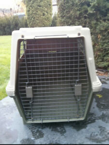 DOG KENNEL/HOUSE FOR QUICK SALE