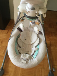 Fisher-price My Little Lamb Baby Swing