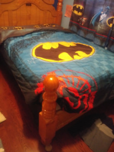 Batman bedding for double bed - and matching curtains