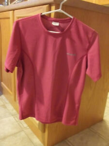 Running Top  Sugoi Brand  Size medium  Brand new London Ontario image 2