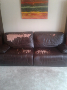 Free couch. Lazy boy style. Pick up required.
