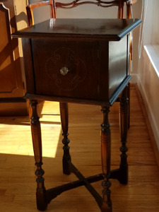 Beautiful antique solid english walnut pipe smoker /plant stand