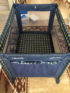 Graco Pack and Play playpen excellent condition