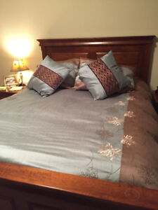 King Size Duvet Cover with Shams and matching throw pillows