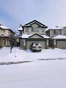 House for rent in Macewan, 3 Bedroom with finished basement.