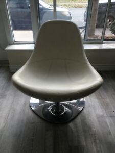 White Leather  Lounge Chair.