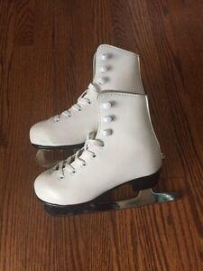 Girl's size 11 figure skates