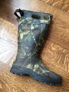 itasca rubber boots size 8 womans 6 mens camouflage