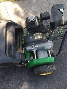 JOHN DEERE 220C green mower West Island Greater Montréal image 5