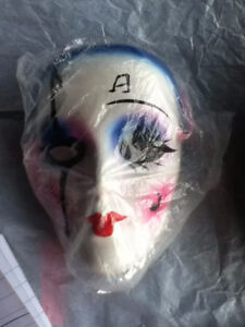 Musical Porcelain Face Mask with Pink Ribbon Kingston Kingston Area image 1