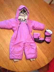 MEC Toaster Suit 6-12 Months & Matching Booties - Like New!