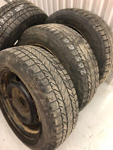 4 BFGoodrich winter tires with rims:205/60R16