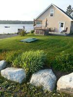 OCEANFRONT COTTAGE on Private Beach (HOT TUB) 20 Mins to HFX
