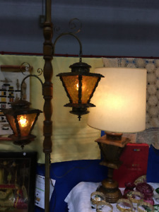 Vintage Wood metal Tension Pole Lamp with Amber shade + Matching