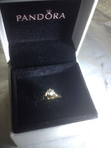 Beautiful Single stone .25CT Round Diamond Ring 14k Yellow Gold