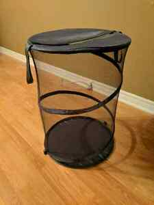 *Collapsible laundry hamper*