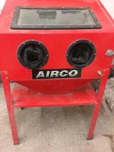 Airco cabinet sandblaster