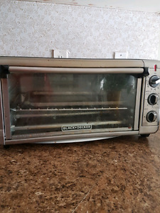 BLACK & DECKER TOASTER OVEN $60