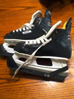 Size 4 Mens Hockey Skates - Bauer - Charger