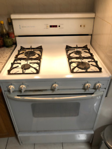 Kenmore Easy Clean Gas Stove