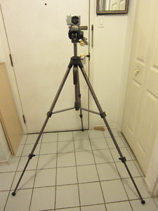 Optex T465 Photo Video Tripod with carrying handle, storage bag