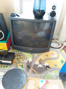 """32"""" CRT COLOR PANASONIC - BEST TV FOR SNES AND N64!"""