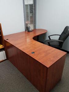 3 office desks / 5 chairs