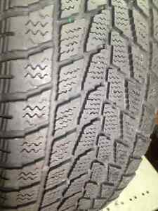 Set of 4 Toyo  winter tire  185/65/15