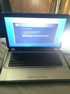 Hp pavilion g series black/white