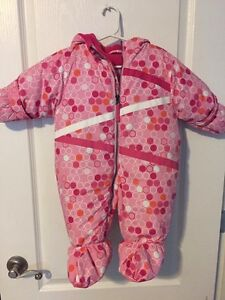 Like new 0-9 month snowsuit