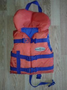 Infant lifejacket vest