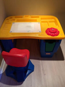 Table a dessin et chaise Little Tikes