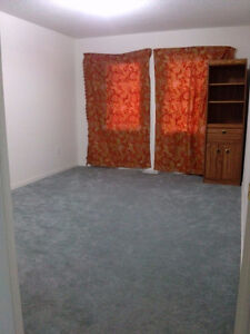 room for rent ,at audley,rossland intersection Ajax