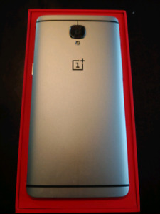 ONE PLUS 3 PHONE IN BOX WITH SPIGEN CASE NO SCRATCHES!