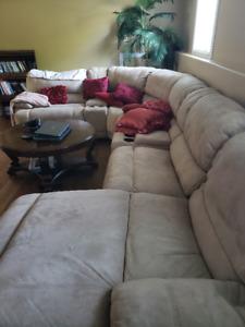 Pasadena 7- Piece Sofa