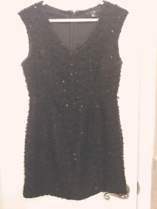 Black knit dress with sequin detail - Size M