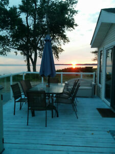 Lakefront Family Cottage Rental in Sherkston Shores