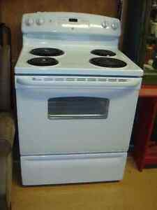 Kitchen appliances - stove
