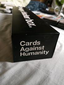 Cards against humanity: The bigger blacker box (Original version)