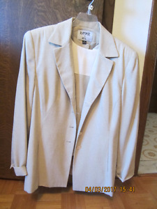 Kaspar A.S.L Very pale Green 3 piece suit