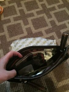 GUESS clutch. BRAND NEW! Cambridge Kitchener Area image 2