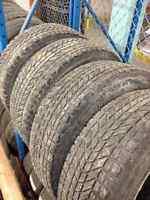 265/70/17  Firestone Winterforce (pneus d'hiver avec logo)
