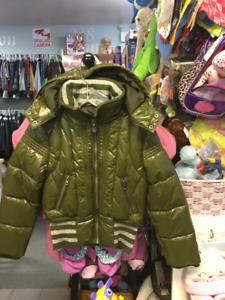 NEUF - MANTEAU FILLE 7-8 ANS - LCKR