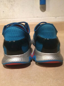 Women's Under Armour Speed Foam Light Running Shoes Size 8.5 London Ontario image 3