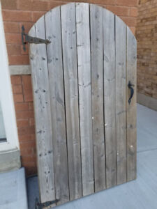 Outdoor Fence Door with Hinges and Handle and Lock