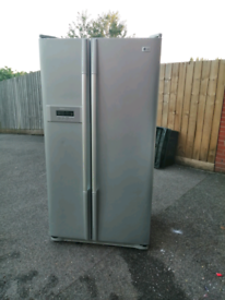 A class Frost free silver LG Anerican style fridge freezer