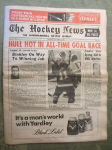 The Hockey News- November 18, 1967 (Bobby Hull, Frank Mahovlich)