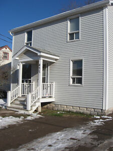 Off Mountain Road - Walking Distance to All Amenities