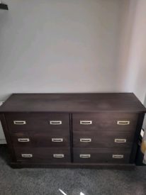 Bedroom furniture! Chest drawers an lockers