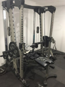 Nautilus Smith Machine with 505lbs in weights